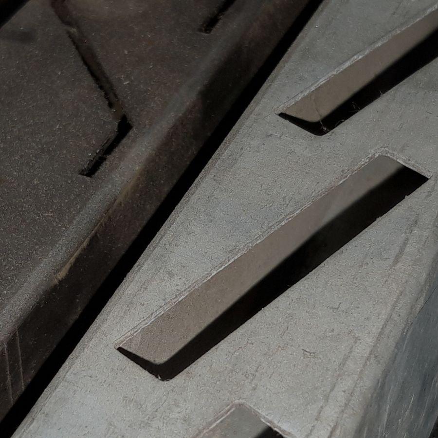 Tubos de acero troquelados